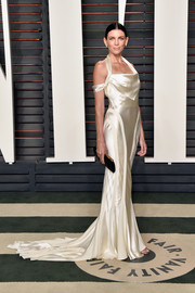 Liberty Ross looked every bit the blushing bride in this white satin halter gown at the Vanity Fair Oscar party (it was her wedding dress after all!).