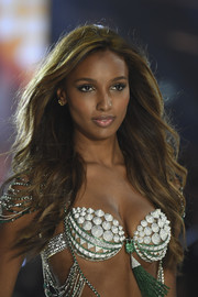 Jasmine Tookes was sexily coiffed with this feathered flip while walking the Victoria's Secret fashion show.