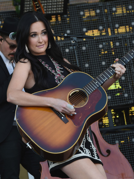More Pics of Kacey Musgraves Crop Top (8 of 30) - Tops Lookbook - StyleBistro [kacey musgraves,string instrument,guitar,acoustic guitar,musical instrument,plucked string instruments,guitarist,musician,music,beauty,windy city lakeshake country music festival,chicago,illinois,firstmerit bank pavilion,northerly island]