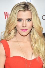 Kimberly Perry looked oh-so-pretty with her flowing waves while attending the Woman's Day Red Dress Awards.
