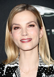 Sylvia Hoeks opted for a simple straight 'do when she attended the 2017 AMD British Academy Britannia Awards.