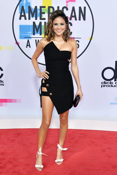 Erin Lim See What Your Favorite Stars Wore To The Amas
