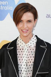 Ruby Rose wore her signature short side-parted style when she attended the 2017 Australian Emmy nominee reception.