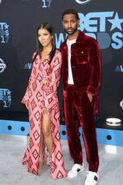 Jhene Aiko was pajama-glam in a geometric-print robe dress by For Restless Sleepers at the 2017 BET Awards.
