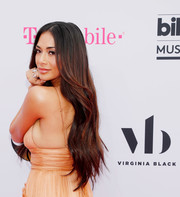 Nicole Scherzinger gave us hair envy when she wore this waist-length wavy 'do at the 2017 Billboard Music Awards.
