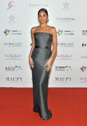 Alesha Dixon's strapless gunmetal gown at the 2017 Dubai International Film Festival looked oh-so-elegant in its simplicity!