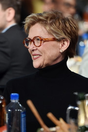 Annette Bening wore a textured short 'do at the 2017 Film Independent Spirit Awards.