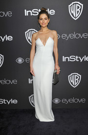 Maria Menounos was white-hot in a cleavage-flaunting slip dress at the InStyle and Warner Bros. Golden Globes post-party.