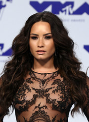 Demi Lovato rocked mermaid curls at the 2017 MTV VMAs.