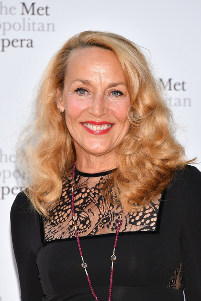 Jerry Hall looked fab with her bouncy, voluminous curls at the 2017 Metropolitan Opera opening night.