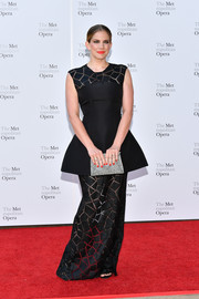Anna Chlumsky oozed elegance wearing this black Christian Siriano peplum gown with a geometric-patterned yoke and skirt at the 2017 Metropolitan Opera opening night.
