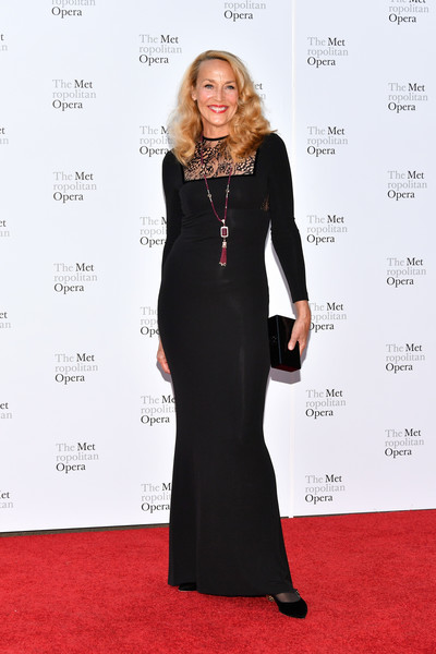 Jerry Hall showed off her ageless figure in a body-con black lace-panel gown at the 2017 Metropolitan Opera opening night.