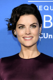 Jaimie Alexander sported messy-chic curls at the 2017 NBCUniversal Upfront.