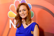 Heather Graham wore her hair just past her shoulders in a gently wavy style at the 2017 Summer TCA Tour.