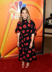 America Ferrera finished off her outfit with red ankle-strap sandals by Giuseppe Zanotti.