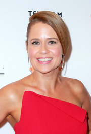 Jenna Fischer was elegantly coiffed with this side-parted bun at the TIFF premiere of 'Brad's Status.'
