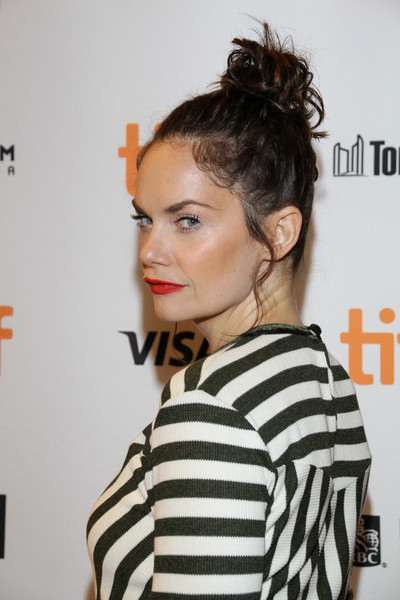 More Pics of Ruth Wilson Hair Knot (13 of 13) - Ruth Wilson Lookbook - StyleBistro