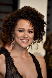 Nathalie Emmanuel worked a stylish afro at the Vanity Fair Oscar party.