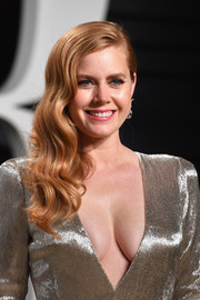 Amy Adams was all about Old Hollywood glamour with this wavy side sweep at the Vanity Fair Oscar party.