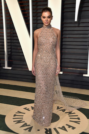 Hailee Steinfeld looked absolutely divine in a Swarovski crystal-studded nude halter gown by Ralph & Russo Couture at the Vanity Fair Oscar party.