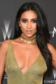 Shay Mitchell looked gorgeous with her flowing center-parted hair at the Weinstein Company Golden Globes after-party.