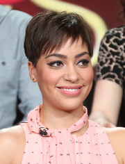 Cush Jumbo brought a summer vibe to the 2017 Winter TCA Tour with this breezy pixie.