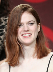 Rose Leslie wore her hair in a casual flippy style at the 2017 Winter TCA Tour.