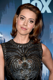 Aubrey Plaza styled her hair into a retro-chic flip for the 2017 Winter TCA Tour Fox All-Star Party.