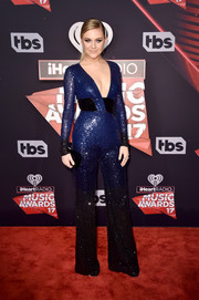 Kelsea Ballerini went for some '70s zing in a sequined ombre jumpsuit by Pamella Roland at the 2017 iHeartRadio Music Awards.