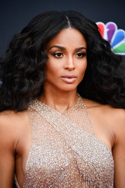Ciara looked fabulous with her thick curls at the 2018 Billboard Music Awards.