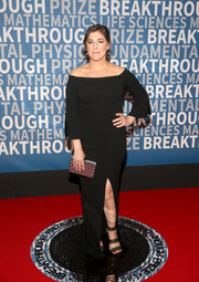 Mayim Bialik kept it simple and classic in a black off-the-shoulder column dress by Allen Schwartz at the 2018 Breakthrough Prize.