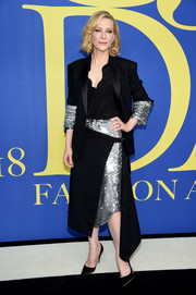Cate Blanchett's partially sequined Monse skirt suit at the 2018 CFDA Fashion Awards was a fabulous way to suit up!