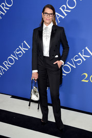 Brooke Shields was androgynous-chic in a black tuxedo at the 2018 CFDA Fashion Awards.