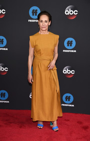 Laurie Metcalf donned a belted ochre maxi dress for the 2018 Disney, ABC, and Freeform Upfront.
