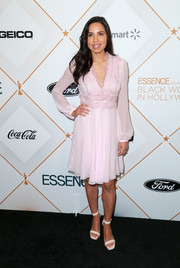 Jurnee Smollett-Bell kept it sweet and demure in a lace-accented pink cocktail dress at the Essence Black Women in Hollywood Awards.
