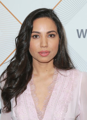 Jurnee Smollett-Bell sported sweet bouncy waves at the Essence Black Women in Hollywood Awards.