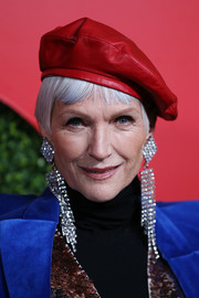 Maye Musk looked hip in her red Gucci beret at the 2018 GQ Men of the Year party.