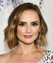 Rachael Leigh Cook showed off stylish short waves at the 2018 Hallmark Channel Summer TCA event.
