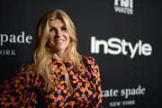 Connie Britton wore her hair down in subtle waves at the 2018 InStyle Awards.