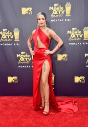 Halsey sealed off her look with a pair of red platform sandals by Jimmy Choo.