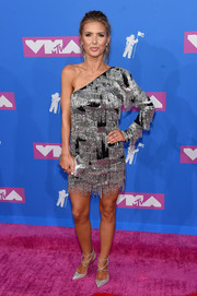 Audrina Patridge looked festive in a fringed one-shoulder dress at the 2018 MTV VMAs.