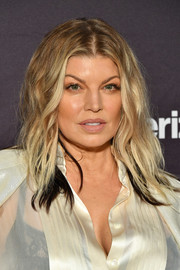 Fergie sported an edgy wavy hairstyle at the 2018 Paley Honors.