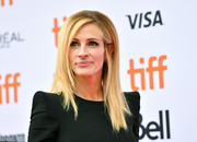 Julia Roberts sported a straight layered cut at the TIFF premiere of 'Ben is Back.'