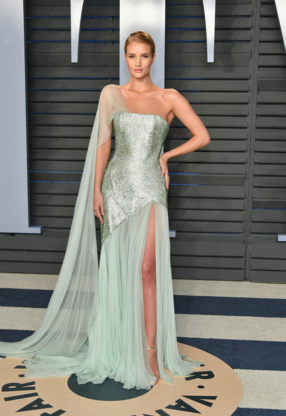 Rosie Huntington-Whiteley in Ralph & Russo Couture