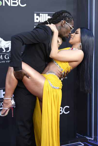 More Pics of Cardi B Long Straight Cut (1 of 18) - Cardi B Lookbook - StyleBistro [yellow,muscle,interaction,event,human body,dance,leg,photography,abdomen,black hair,arrivals,billboard music awards,l-r,cardi b,las vegas,nevada,mgm grand garden arena,migos]