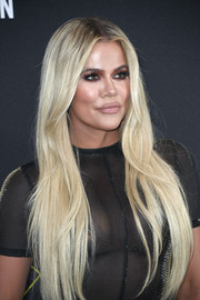 Khloe Kardashian showed off glowing blonde tresses at the 2019 E! People's Choice Awards.