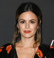 Rachel Bilson fixed her hair into a loose, center-parted ponytail for the 2019 InStyle Awards.