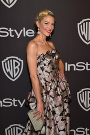 Jaime King accessorized with a chic pearl-encrusted clutch by Sophia Webster at the InStyle and Warner Bros. Golden Globes after-party.