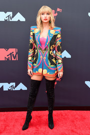 Taylor Swift looked vibrant in a graphic blazer by Atelier Versace at the 2019 MTV VMAs.
