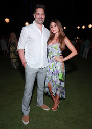 Sofia Vergara attended the 2019 Maui Film Festival wearing a tropical-print dress with a high-low hem.